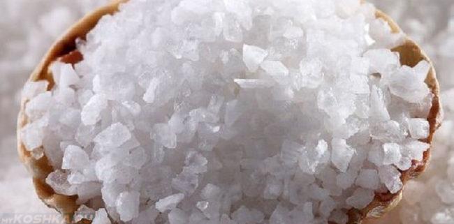Фото гранул соли вблизи
