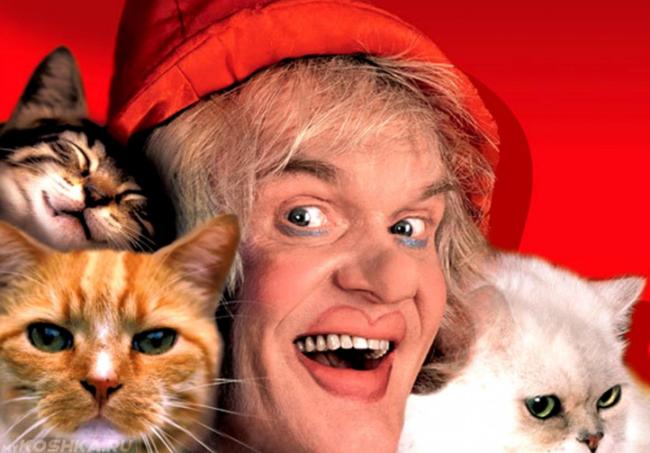 Улыбающийся Юрий Куклачёв со своими дрессированными кошками