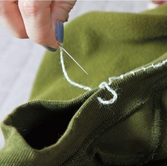 Ушивание шеи свитера для кошачьей лежанки