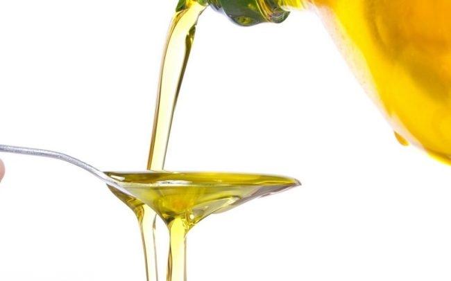 Растительное масло выливаемое в ложку
